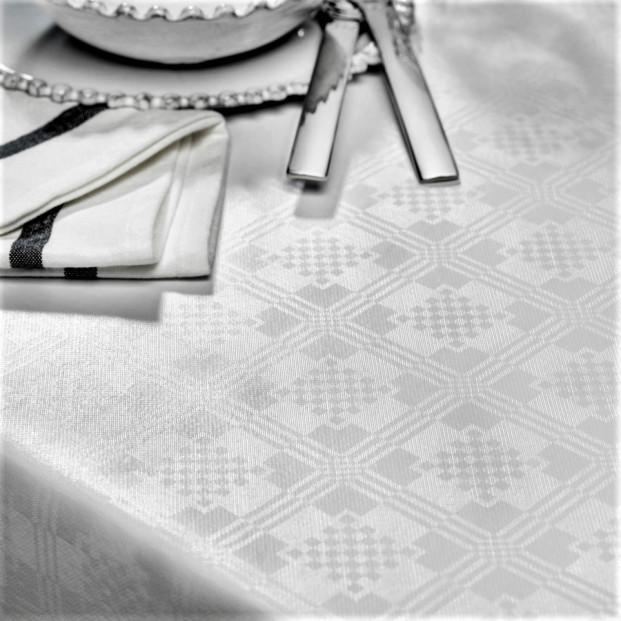 Damast Carre Classic hvid, damask præget voksdug